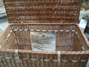 hamper in buff willow