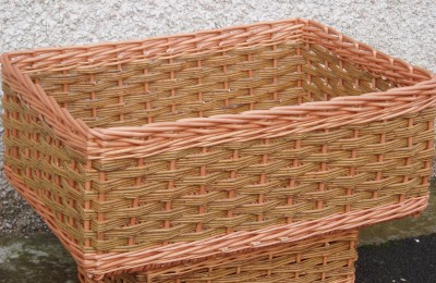 custom made basket in buff and green willow