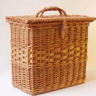 upright picnic hamper