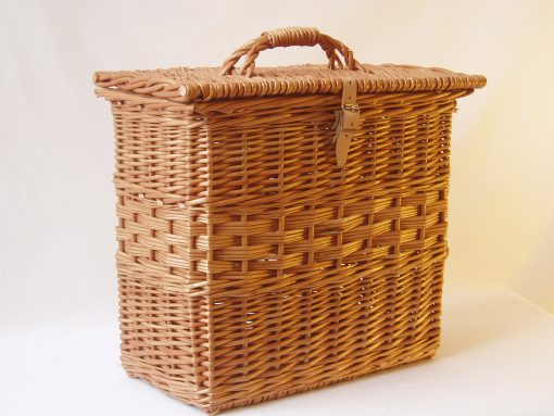 upright picnic hamper