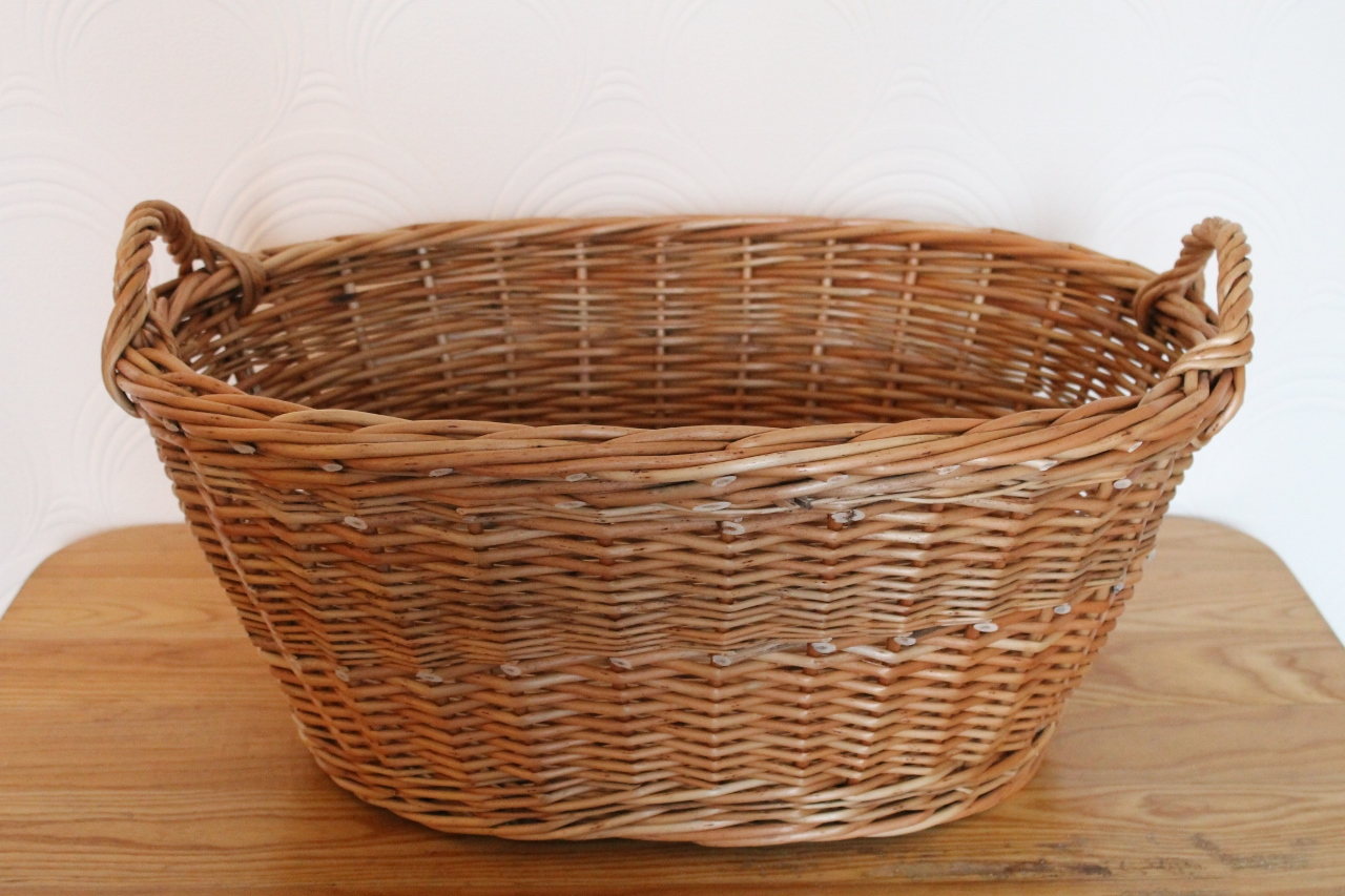washing basket with woven handles wicker baskets. Black Bedroom Furniture Sets. Home Design Ideas